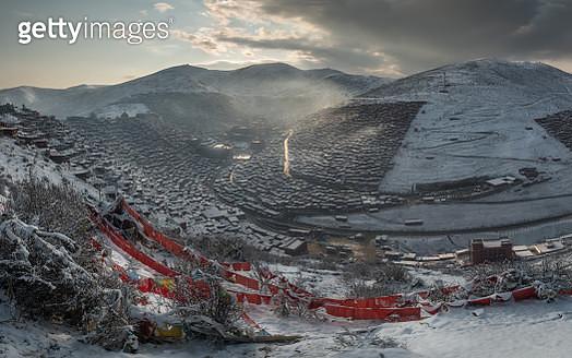 Top  view  Larung Gar - gettyimageskorea
