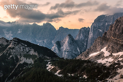 Mountains glowing just before sunrise - gettyimageskorea