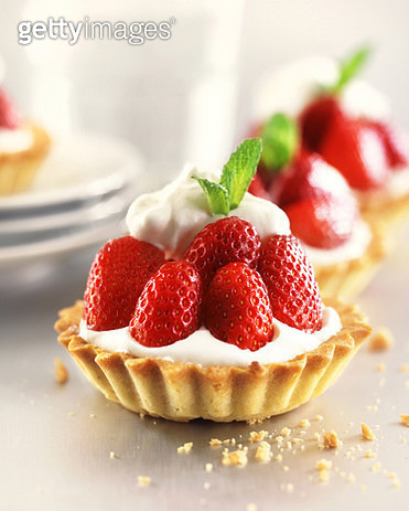 Strawberry tarts with custard - gettyimageskorea