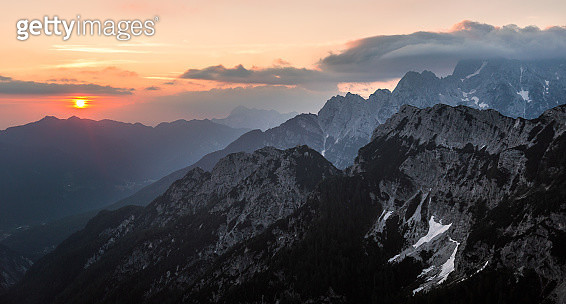 Sunrise in the mountains - gettyimageskorea