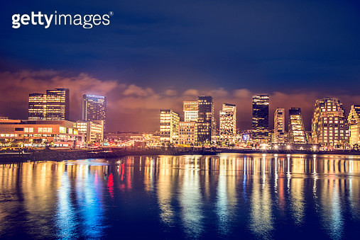 Bjorvika Barcode, Modern buildings in Oslo at Night, with their reflection into the water - gettyimageskorea