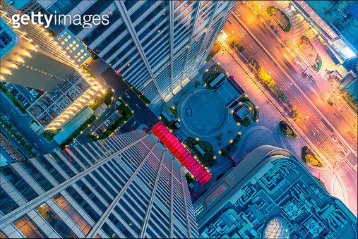 Looking down from the skyscrapper - gettyimageskorea