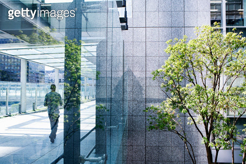 business man in office building - gettyimageskorea
