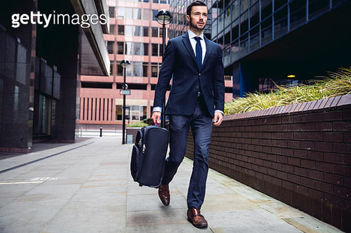 Business on the go in the city of London - gettyimageskorea