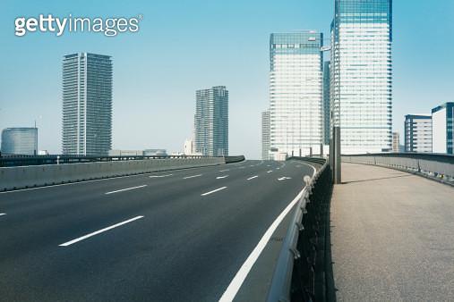 Empty bridge following the skyscrapers - gettyimageskorea