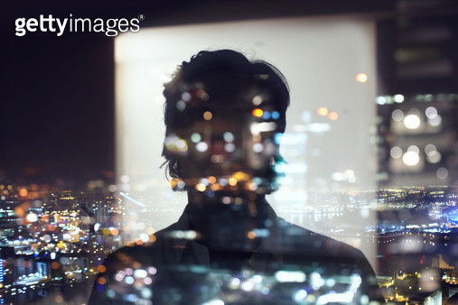 silhouette of business man against city - gettyimageskorea
