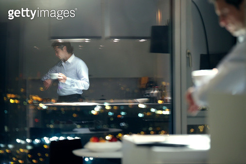 High Flying Executive in City apartment - gettyimageskorea