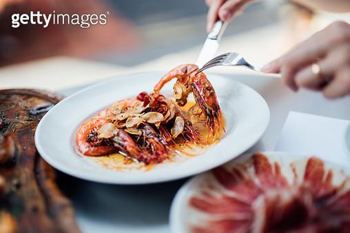Gambas à la plancha (Spanish-style grilled shrimps) - gettyimageskorea