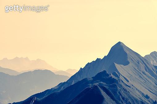 Alpine ridge line, Augstmatthorn, Switzerland - gettyimageskorea