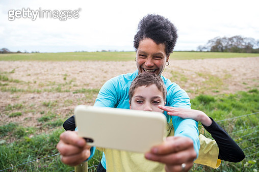Selfies With Mum on Our Run - gettyimageskorea