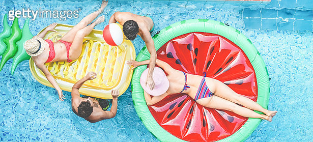 Directly Above Shot Of Friends Enjoying Swimming Pool - gettyimageskorea