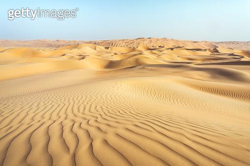 United Arab Emirates, Abu Dhabi. Rub Al Khali (Empty quarter) desert - gettyimageskorea