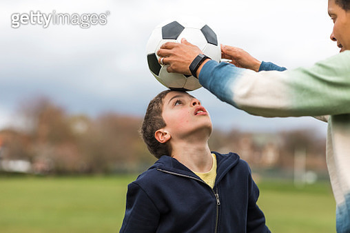 I'll Help You Balance The Ball Son - gettyimageskorea