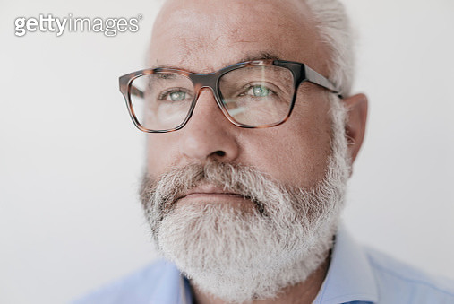 Portrait of serious mature man with beard and glasses - gettyimageskorea