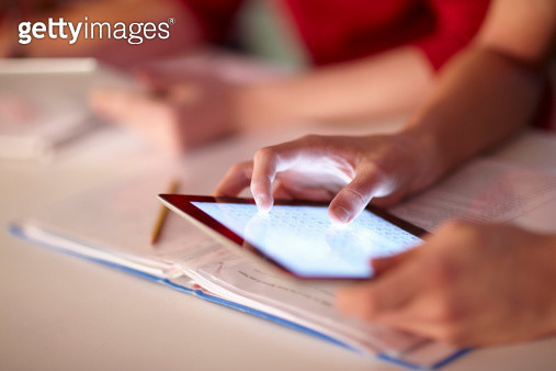 Student using tablet computer in class - gettyimageskorea