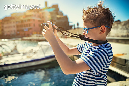 Little boy photographing Vernazza, Cinque Terre, Italy - gettyimageskorea