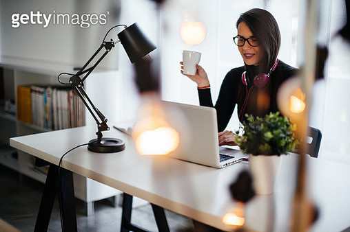 Always give your job one hundred percent - gettyimageskorea