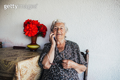 Staying connected to her loved ones - gettyimageskorea