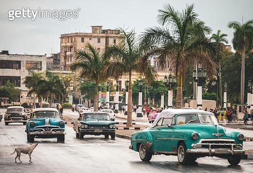 Paseo del Prado, Paseo del Prado is a promenade in Havana, Cuba, on the dividing line between Centro Habana and Old Havana - gettyimageskorea