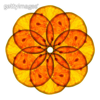 Close-Up Of Orange Slices Arranged Against White Background - gettyimageskorea