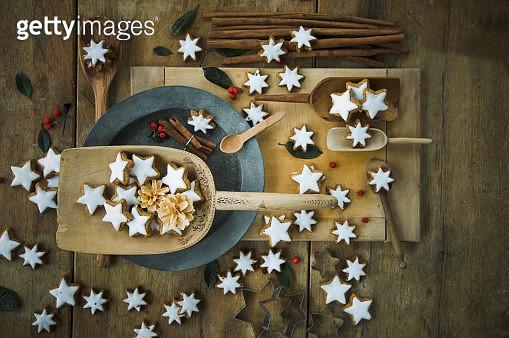 Cinnamon sticks and cinnamon stars - gettyimageskorea