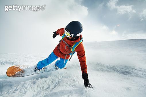 Snowboarding in Kashmir - gettyimageskorea