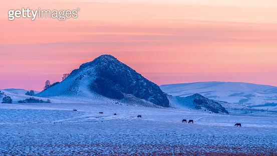 landscape of mountain range in inner Mongolia in winter - gettyimageskorea