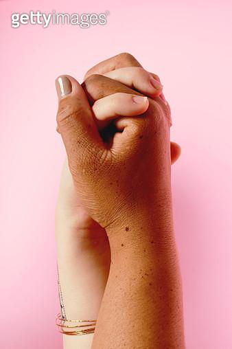 Portrait of Holding Hands - gettyimageskorea