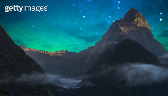 The Milford Sound fiord. Fiordland national park, New Zealand with milky way - gettyimageskorea