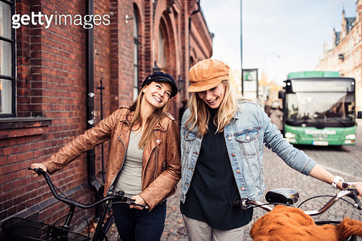 Friends with Bicycles - gettyimageskorea