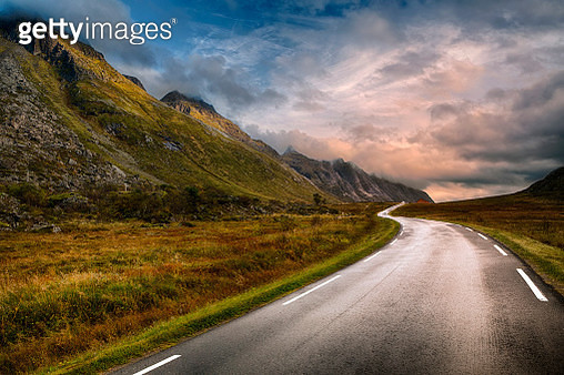 Road in Lofoten, Norway - gettyimageskorea