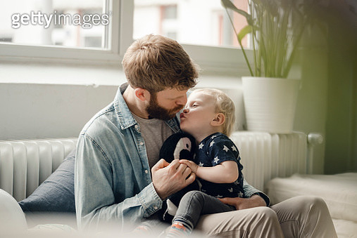 Father spending time with his son at home - gettyimageskorea