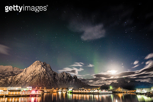 Nightfall in Svolvaer with cloudscape and aurora, Norway. - gettyimageskorea
