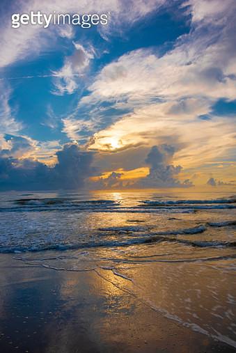 Boardwalk to Beach - gettyimageskorea