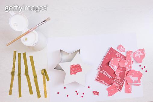 Festive napkin decoupage - gettyimageskorea