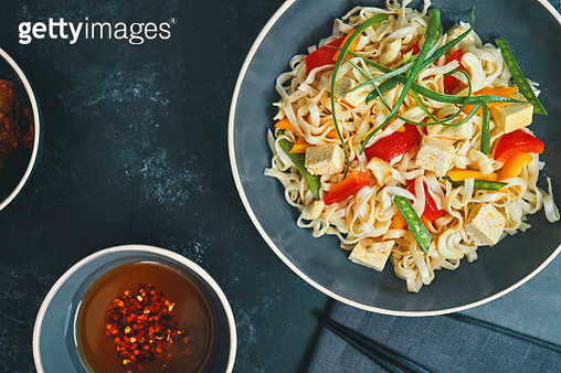 Vegan Asian Noodles with Carrots, Bean Sprout and Tofu - gettyimageskorea