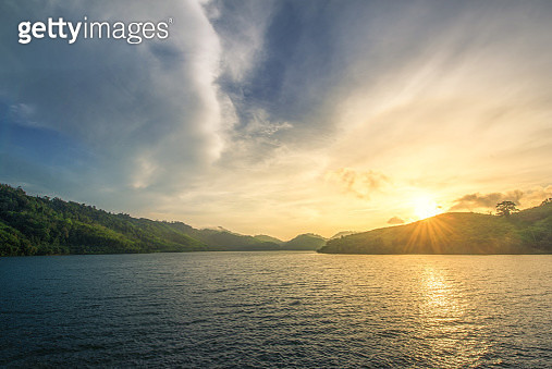 Golden morinng light - gettyimageskorea