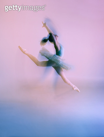 Ballet dancer long exposure - gettyimageskorea