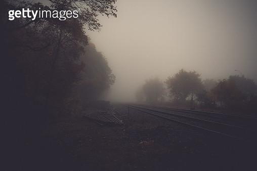 westbound in fog - gettyimageskorea