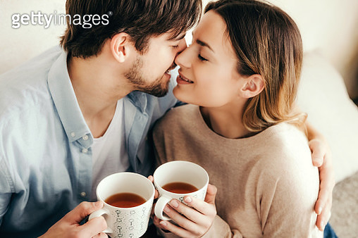 Love and Tea for a good start - gettyimageskorea