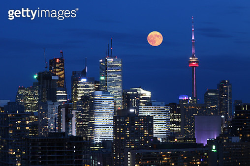 Full Moon of July in Blue City of Toronto - gettyimageskorea