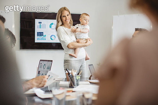 Single mother explains new business plan - gettyimageskorea