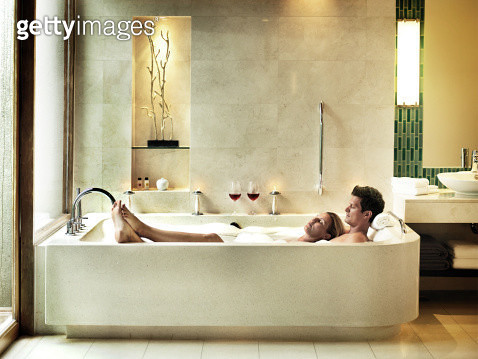 Couple together in a luxury bath tub at a resort in Thailand - gettyimageskorea