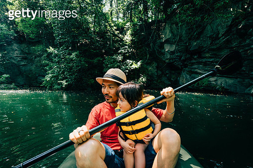 Father and his toddler girl kayaking together, Saitama, Japan - gettyimageskorea