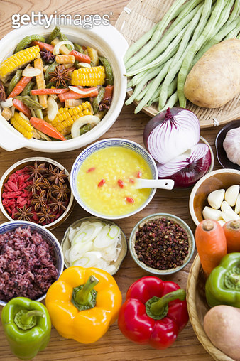 Assorted vegetables and cooked vegetable dish - gettyimageskorea
