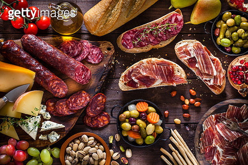 Deliscious appetizer on rustic wood table - gettyimageskorea