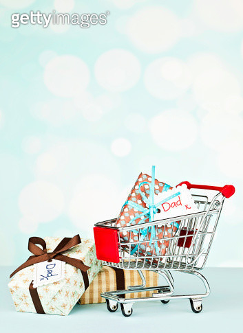 Shopping for Dad - gettyimageskorea