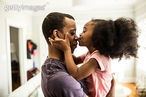 daughter kissing father on the nose - gettyimageskorea
