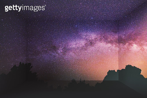 Milky Way with starry sky at night inside home using virtual reality simulator. - gettyimageskorea