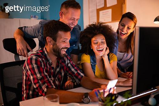 Multi ethnic team working in modern office - gettyimageskorea